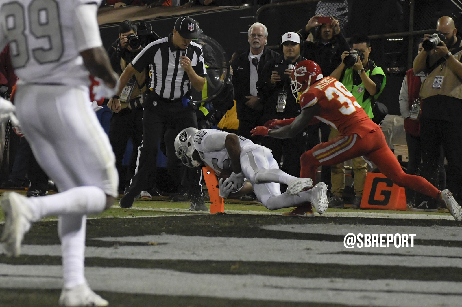Raiders save season in wild ending against Chiefs
