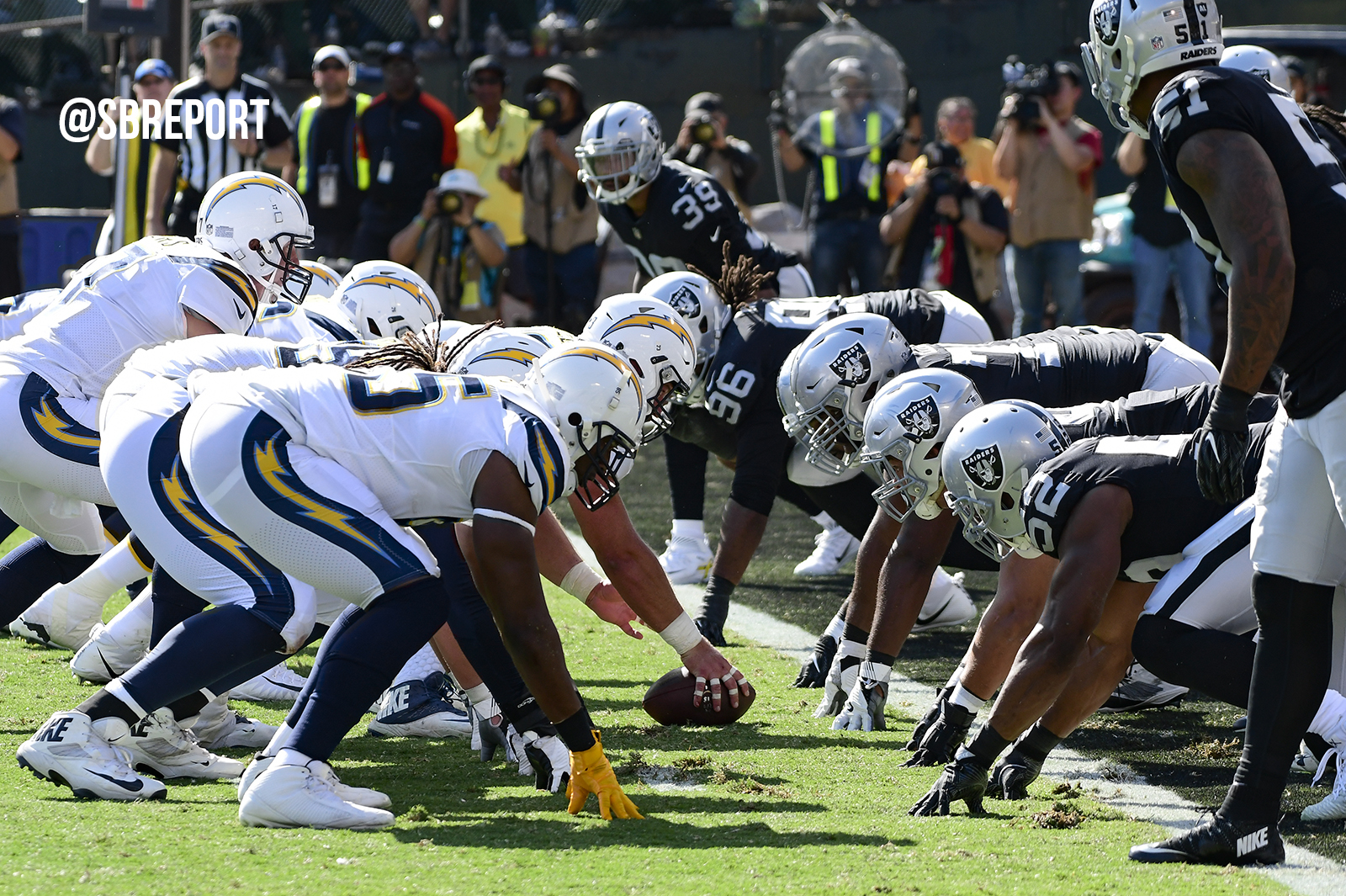 Raiders offense continues to struggle, team drops fourth-straight