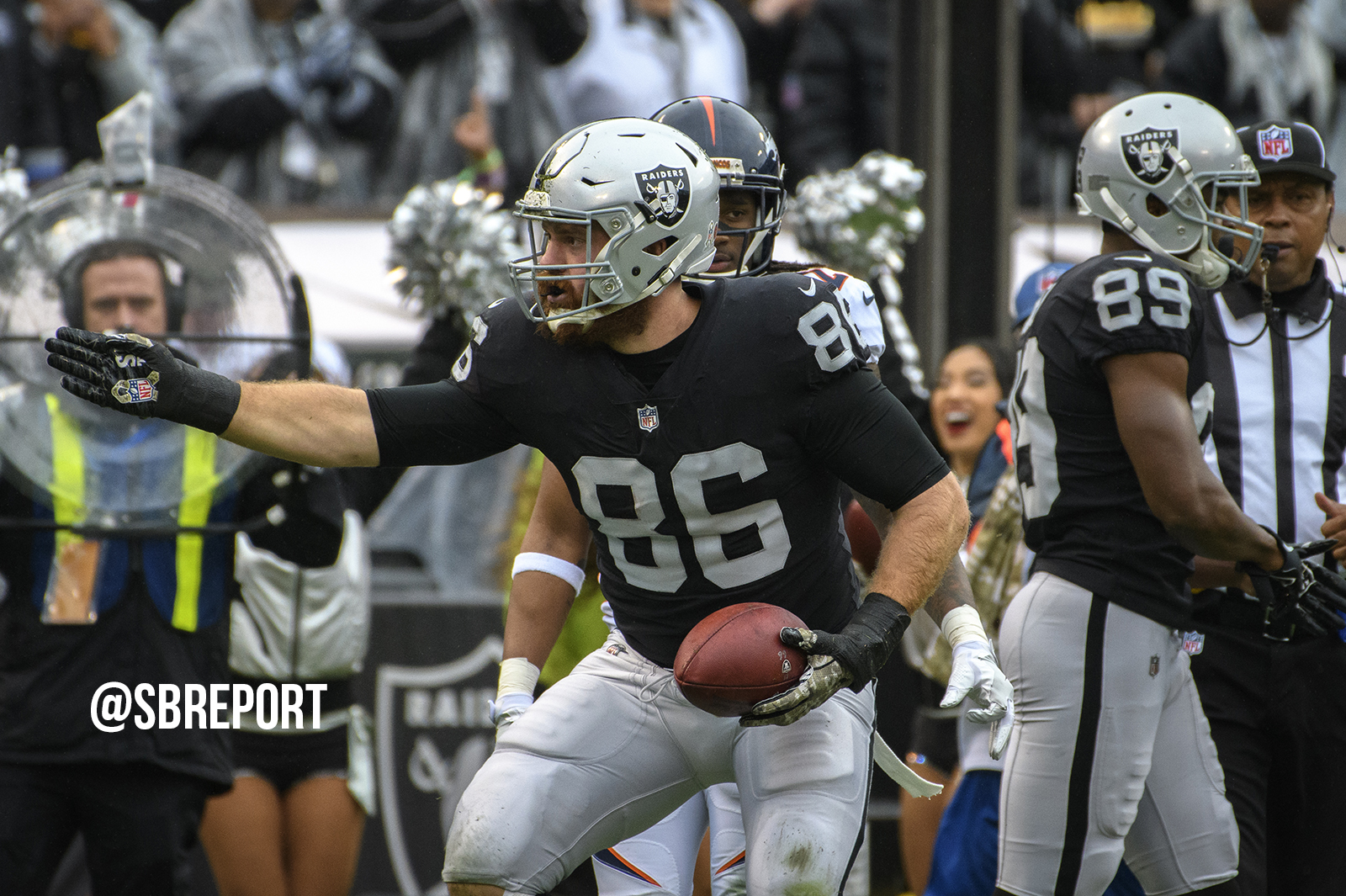 Raiders keep one of their own in the Silver & Black